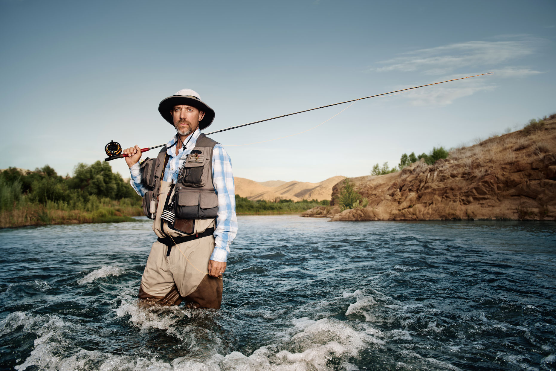 kern-fisherman-in-the-kern-river-calififornia
